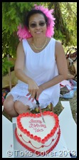 Toks Cutting her Cake